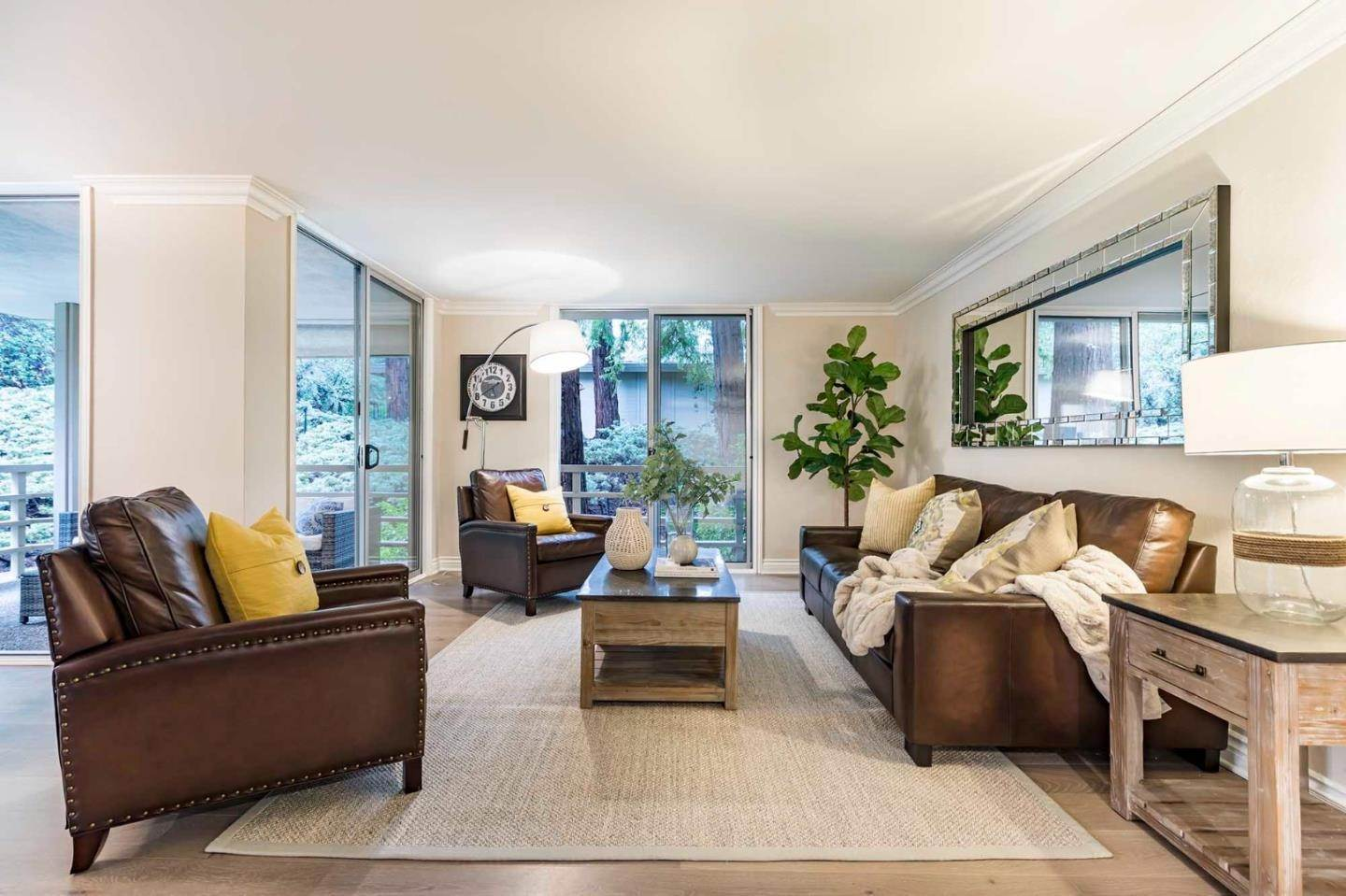 Condominiums for Sale at 1100 Sharon Park Drive Menlo Park, California 94025 United States