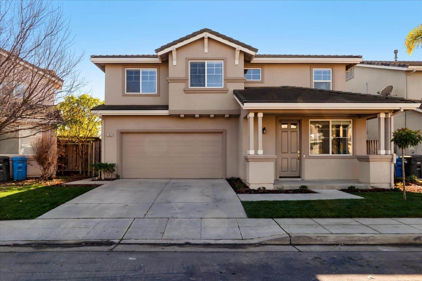Single Family Homes por un Venta en 792 Avelar Street East Palo Alto, California 94303 Estados Unidos