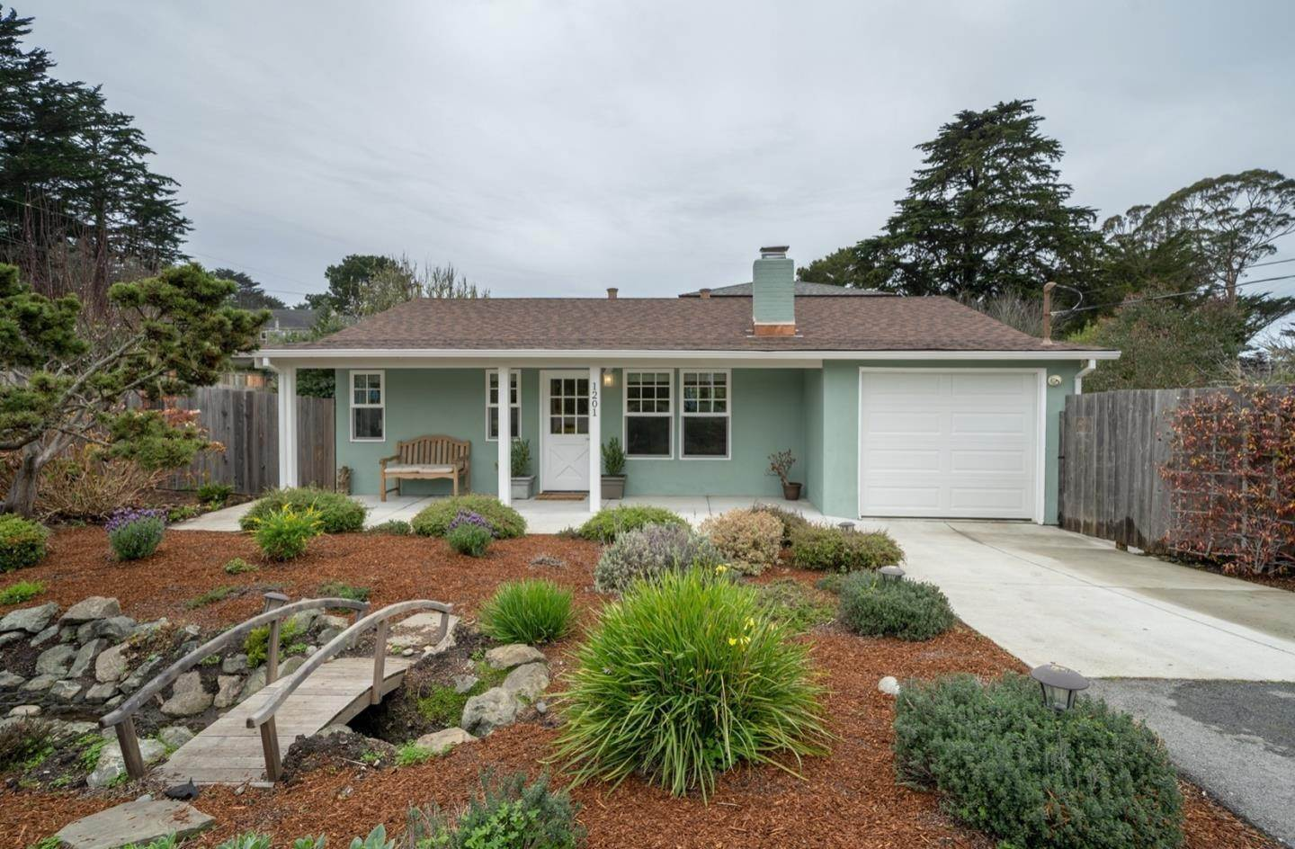 Single Family Homes por un Venta en 1201 Audubon Avenue Montara, California 94037 Estados Unidos