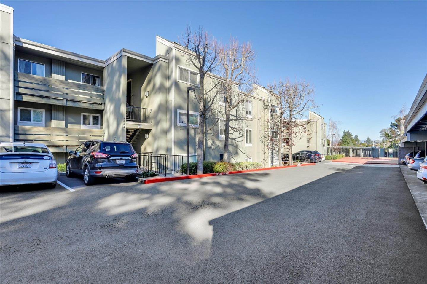 2. Condominiums for Sale at 4004 Farm Hill Boulevard Redwood City, California 94061 United States