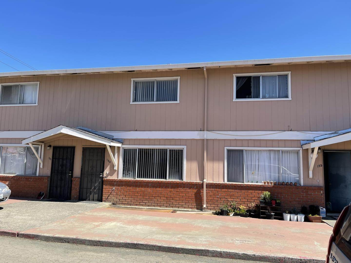 Multi-Family Homes for Sale at 127 Ifland Way Vallejo, California 94589 United States