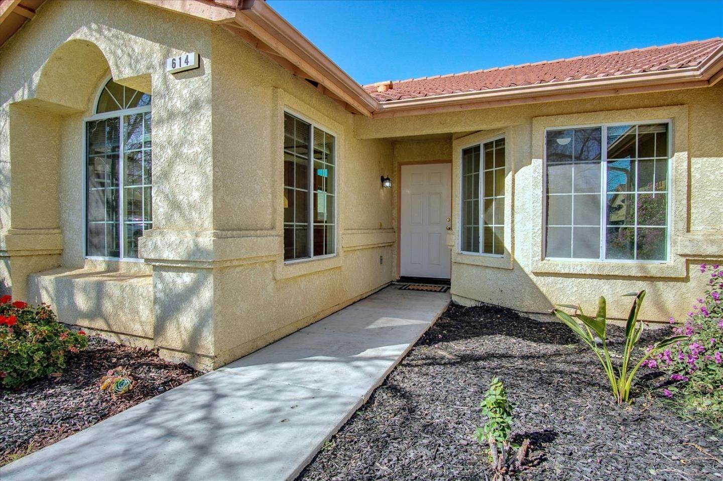 Single Family Homes for Sale at 614 Winemaker Street Los Banos, California 93635 United States