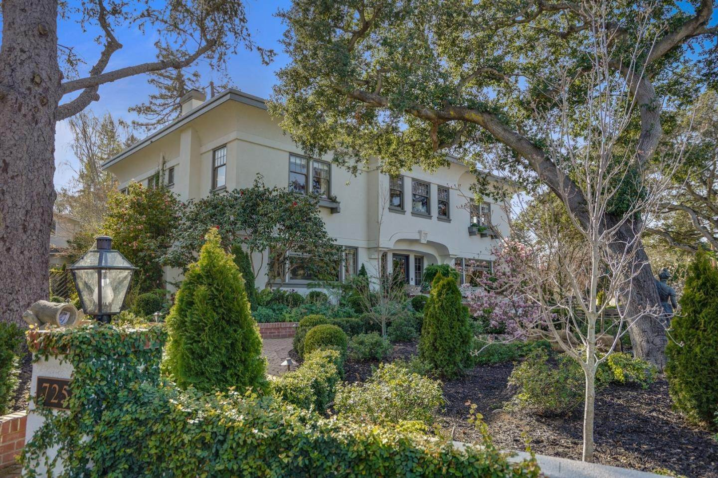 Single Family Homes for Sale at 725 Hurlingham Avenue San Mateo, California 94402 United States