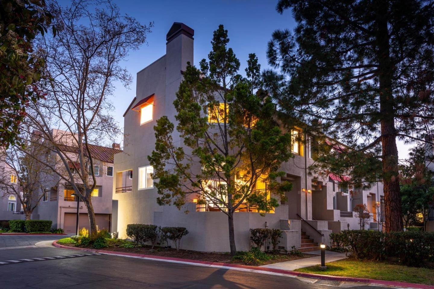 townhouses for Sale at 104 E Court Lane Foster City, California 94404 United States