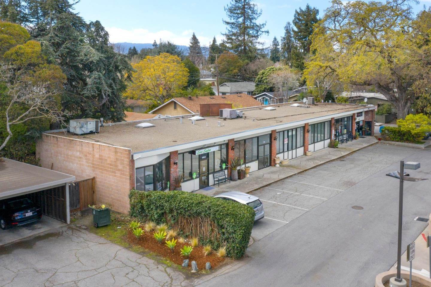 19. Commercial for Sale at 605 Cambridge Avenue Menlo Park, California 94025 United States