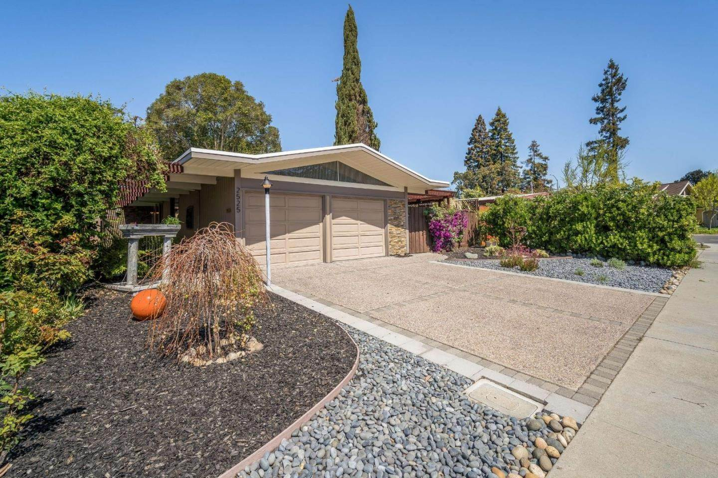 Single Family Homes for Sale at 2525 Nedson Court Mountain View, California 94043 United States