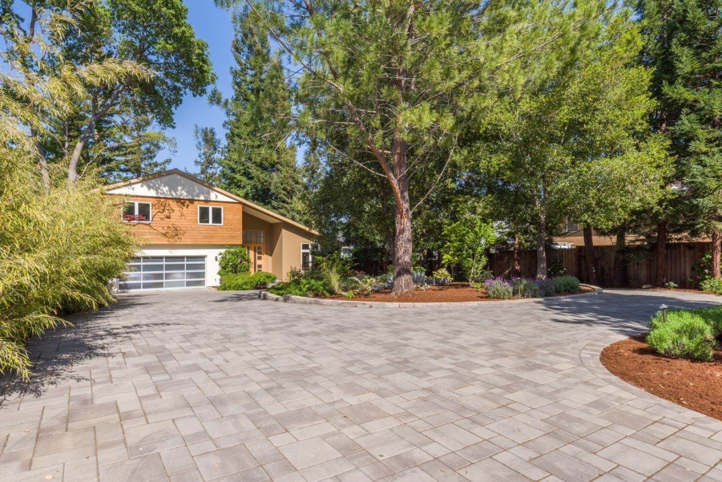 Single Family Homes للـ Sale في 18051 Saratoga Los Gatos Road Monte Sereno, California 95030 United States