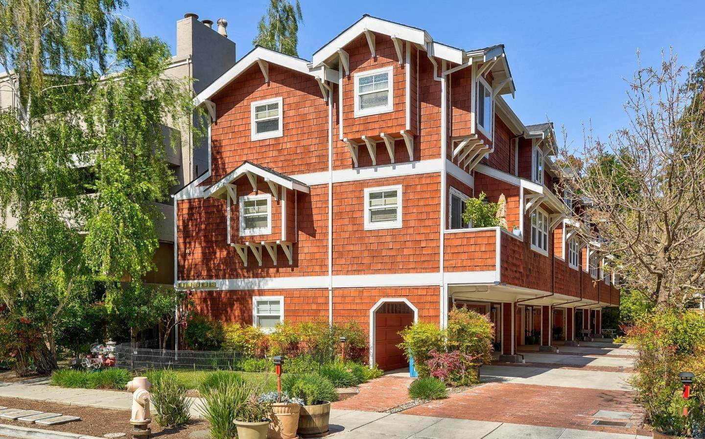 Condominiums for Sale at 659 Prospect Street San Carlos, California 94070 United States