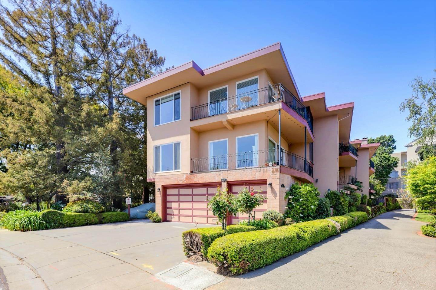 Multi-Family Homes for Sale at 146 Dartmouth Road San Mateo, California 94402 United States