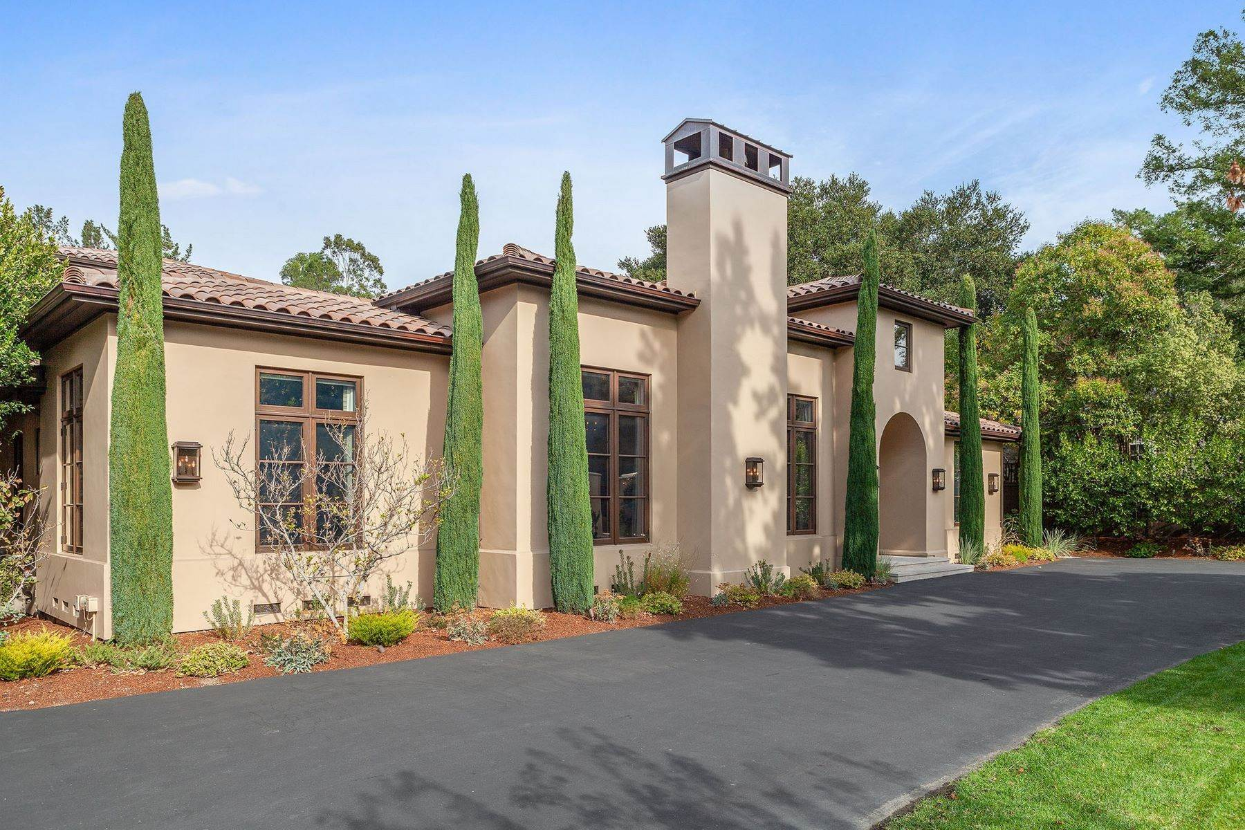 41. Single Family Homes for Sale at European Resort-Like Estate 109 Fawn Drive San Anselmo, California 94960 United States