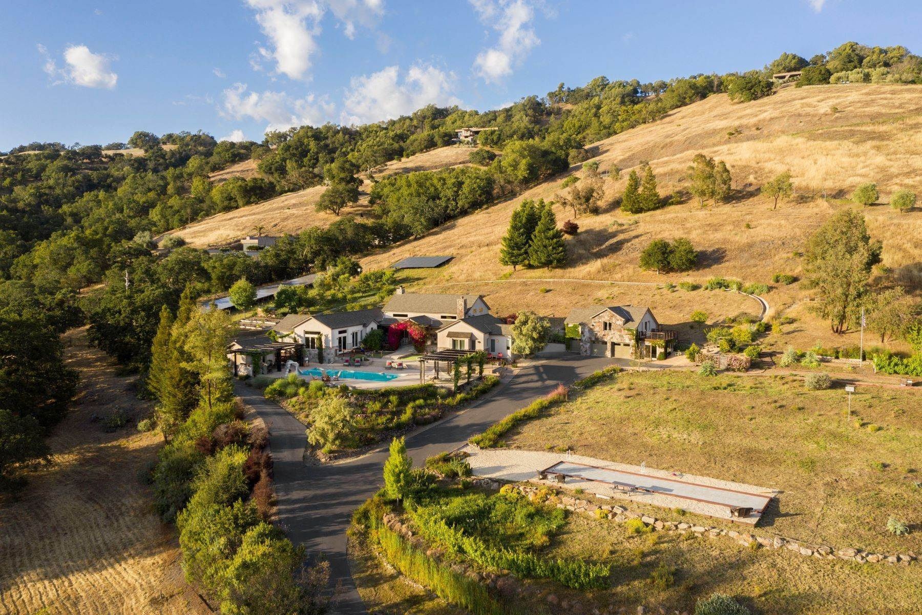 Single Family Homes в Perfect Wine Country Living in the Lovall Valley Loop 4080 Lovall Valley Loop Road Sonoma, Калифорния 95476 Соединенные Штаты