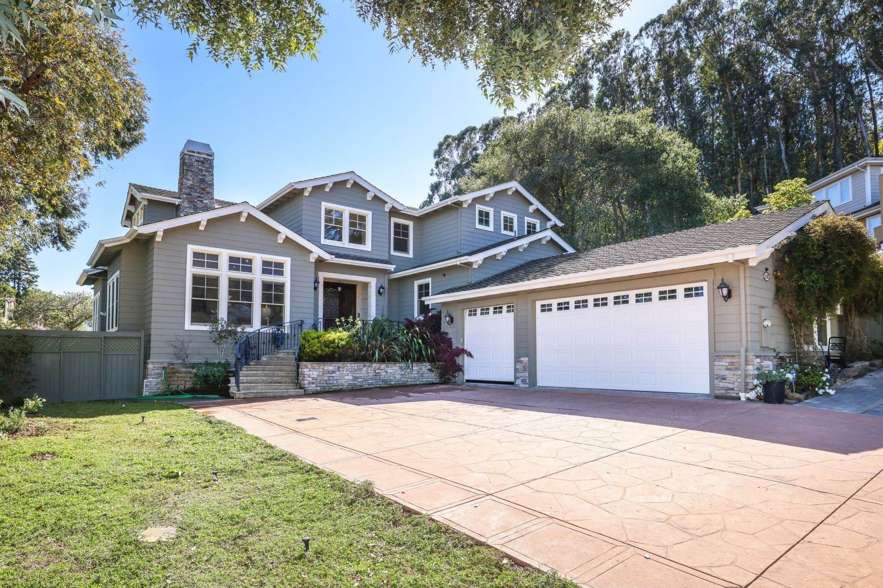 Single Family Homes für Verkauf beim Stunning Custom Built Executive Home 710 Santa Barbara Avenue Millbrae, Kalifornien 94030 Vereinigte Staaten