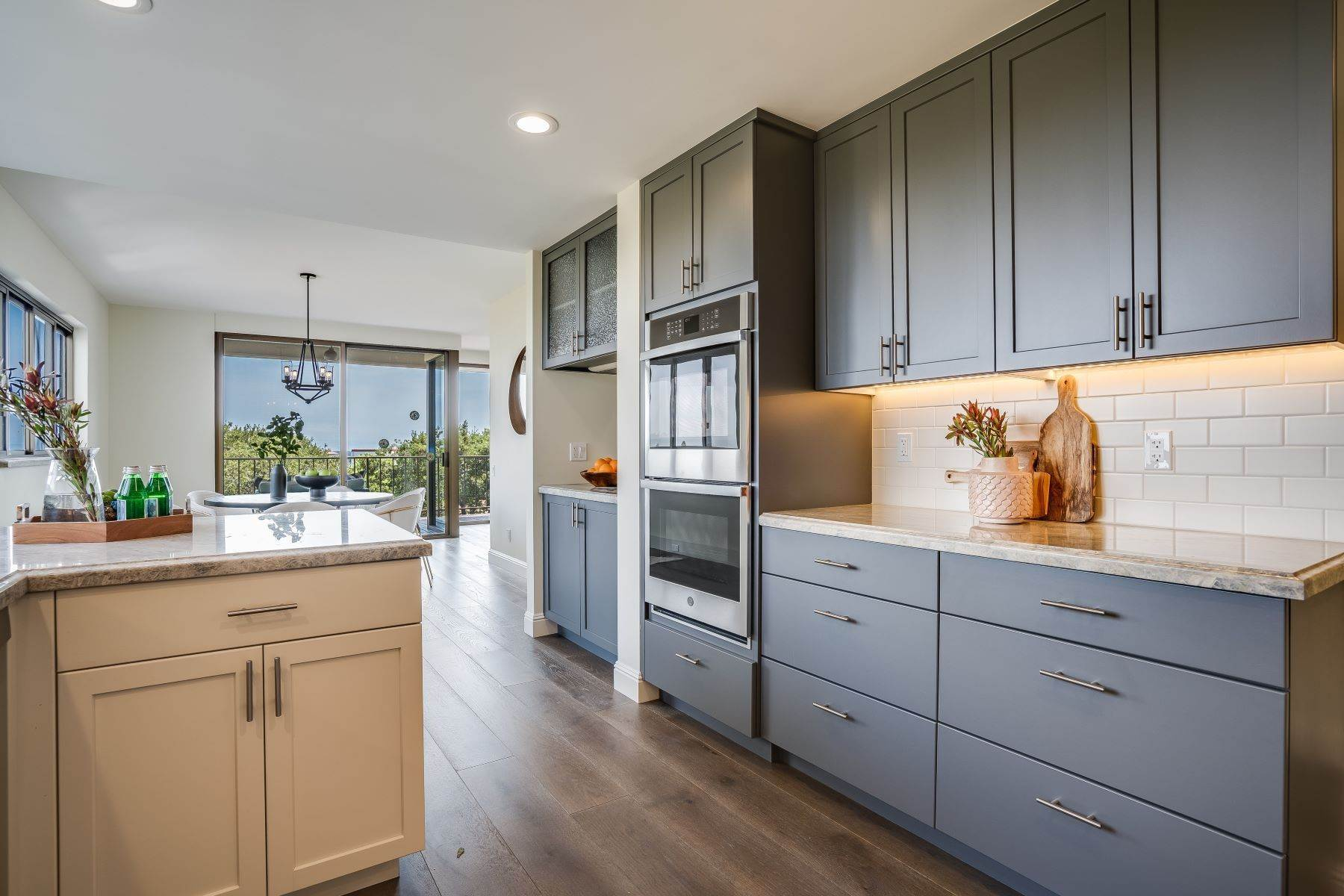 5. Condominiums for Sale at Luxury Condo in San Mateo Park! 50 Mounds Road #206 San Mateo, California 94402 United States