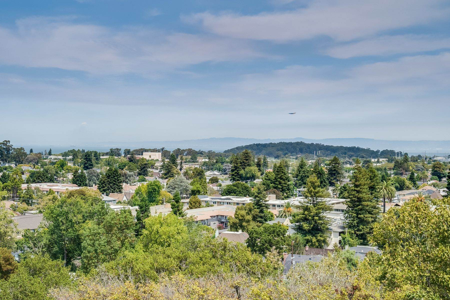 14. Condominiums for Sale at Luxury Condo in San Mateo Park! 50 Mounds Road #206 San Mateo, California 94402 United States