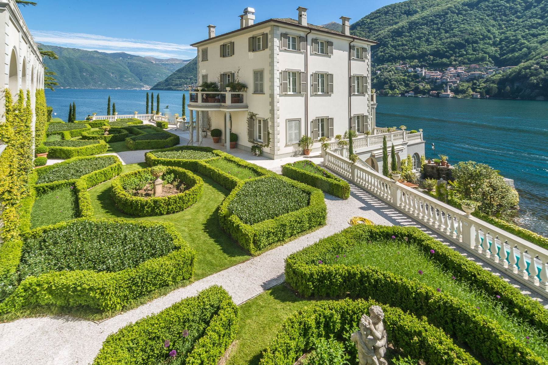 Property for Sale at Gorgeous lakefront trophy estate Laglio, Como Italy
