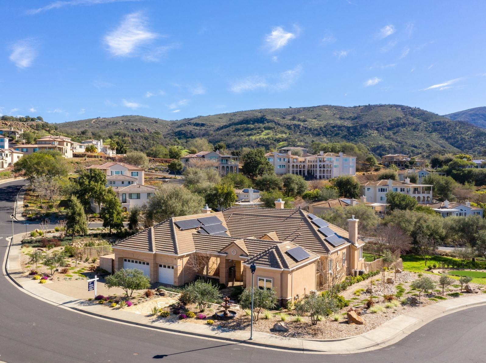 Single Family Homes für Verkauf beim Comfort and Luxury in Napa's Silverado Highlands 21 Greenbriar Circle Napa, Kalifornien 94558 Vereinigte Staaten