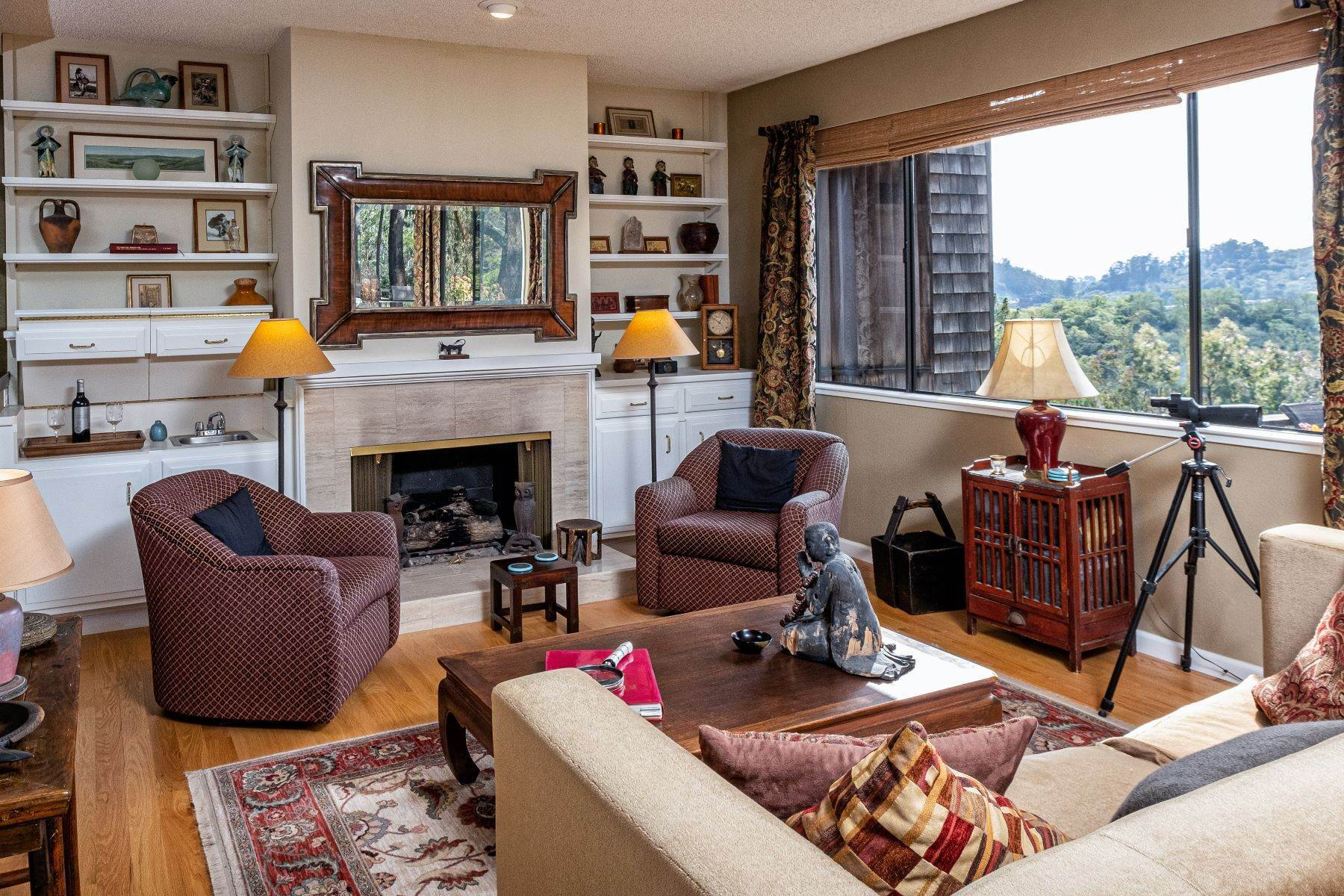 5. Condominiums for Sale at Luxury Townhome with Elevator 130 El Condor Court San Rafael, California 94903 United States