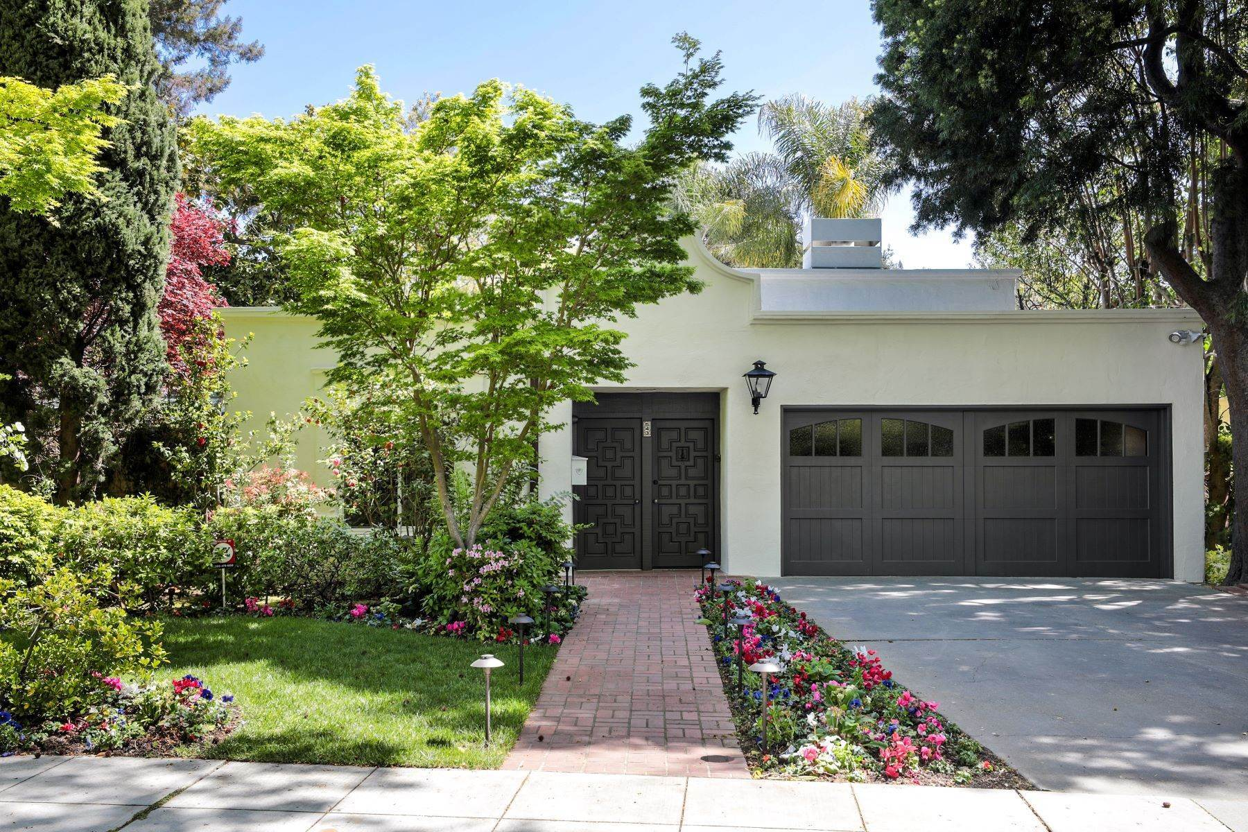 Single Family Homes for Sale at Lovely Mediterranean-Style Home 543 West Crescent Drive Palo Alto, California 94301 United States