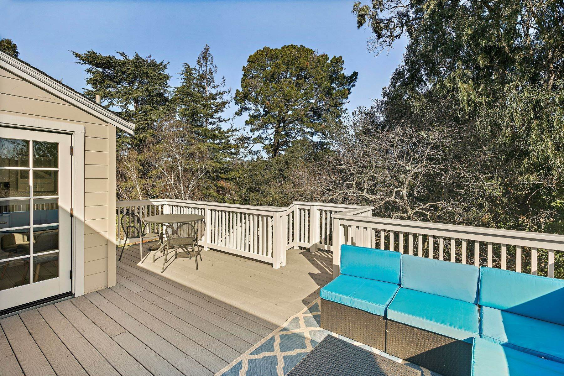 11. Single Family Homes for Sale at Updated Upper Rockridge Traditional 5454 Hilltop Crescent Oakland, California 94618 United States