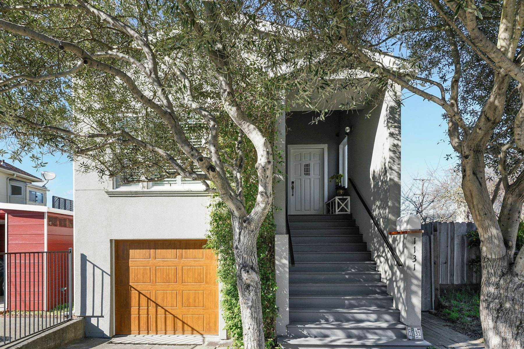 Single Family Homes for Sale at Beautifully Updated Albany Home 1131 Portland Avenue Albany, California 94706 United States