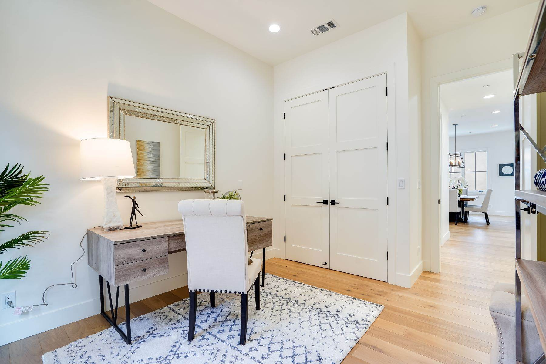 25. Single Family Homes for Sale at Modern Farmhouse in Coveted Mount Carmel 538 Quartz Street Redwood City, California 94062 United States