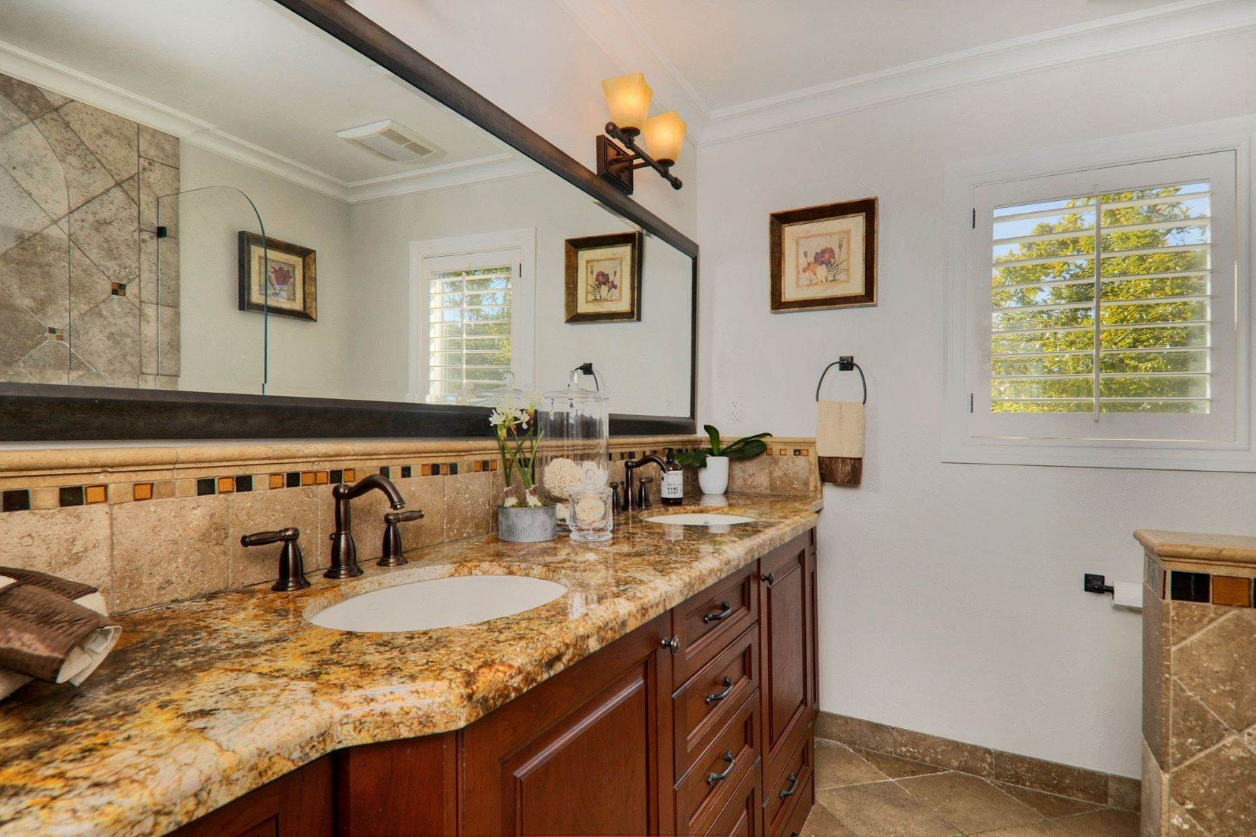31. Single Family Homes for Sale at Completely Renovated Mid-Century Retreat 220 Frances Lane San Carlos, California 94070 United States