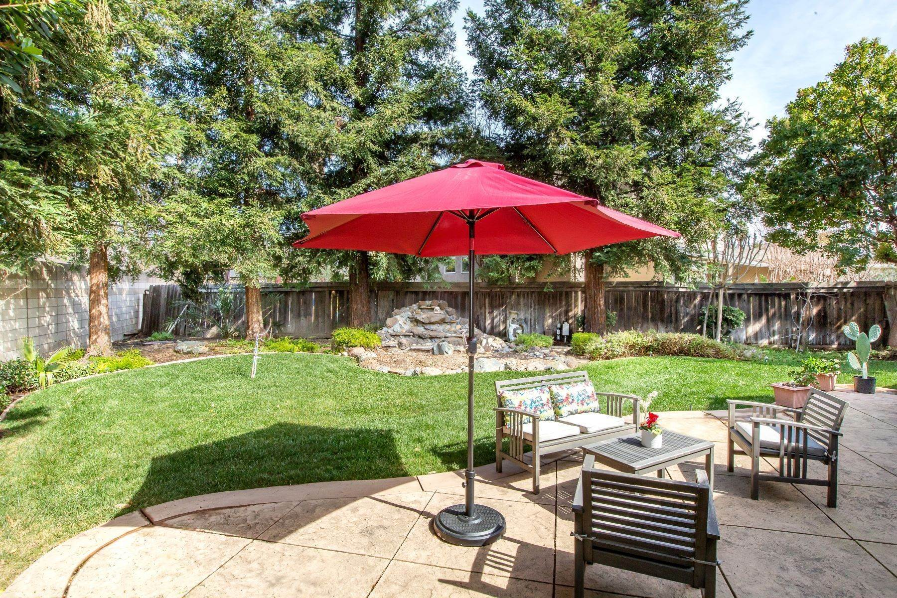 23. Single Family Homes for Sale at Bountiful 781 Berkshire Place 781 Berkshire Place Concord, California 94518 United States