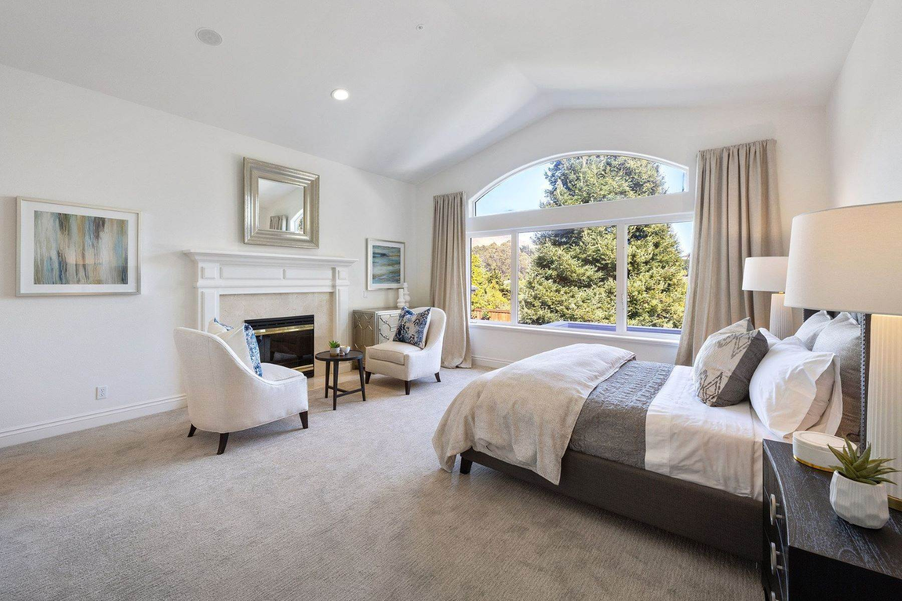 21. Single Family Homes for Sale at Exceptional Tiburon Home 30 Vista Tiburon Drive Tiburon, California 94920 United States