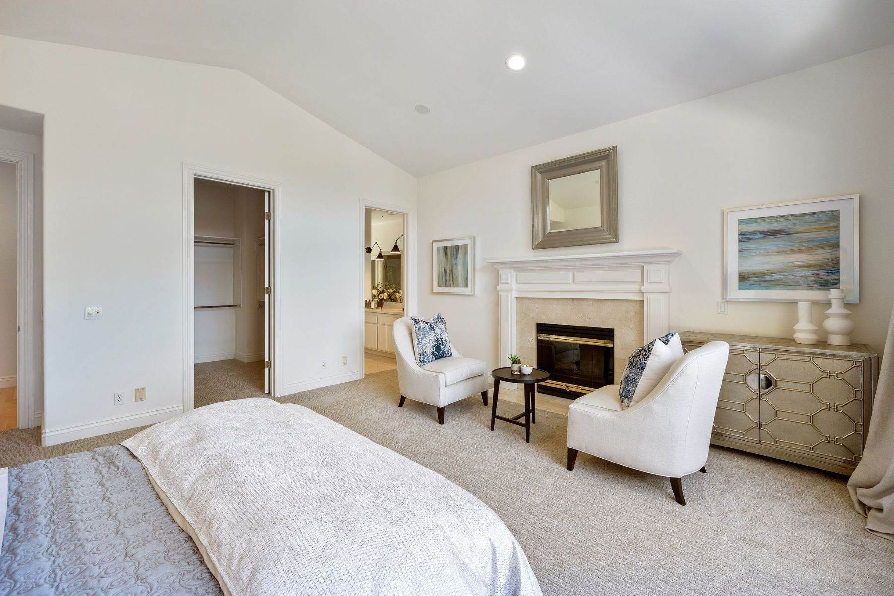 24. Single Family Homes for Sale at Exceptional Tiburon Home 30 Vista Tiburon Drive Tiburon, California 94920 United States