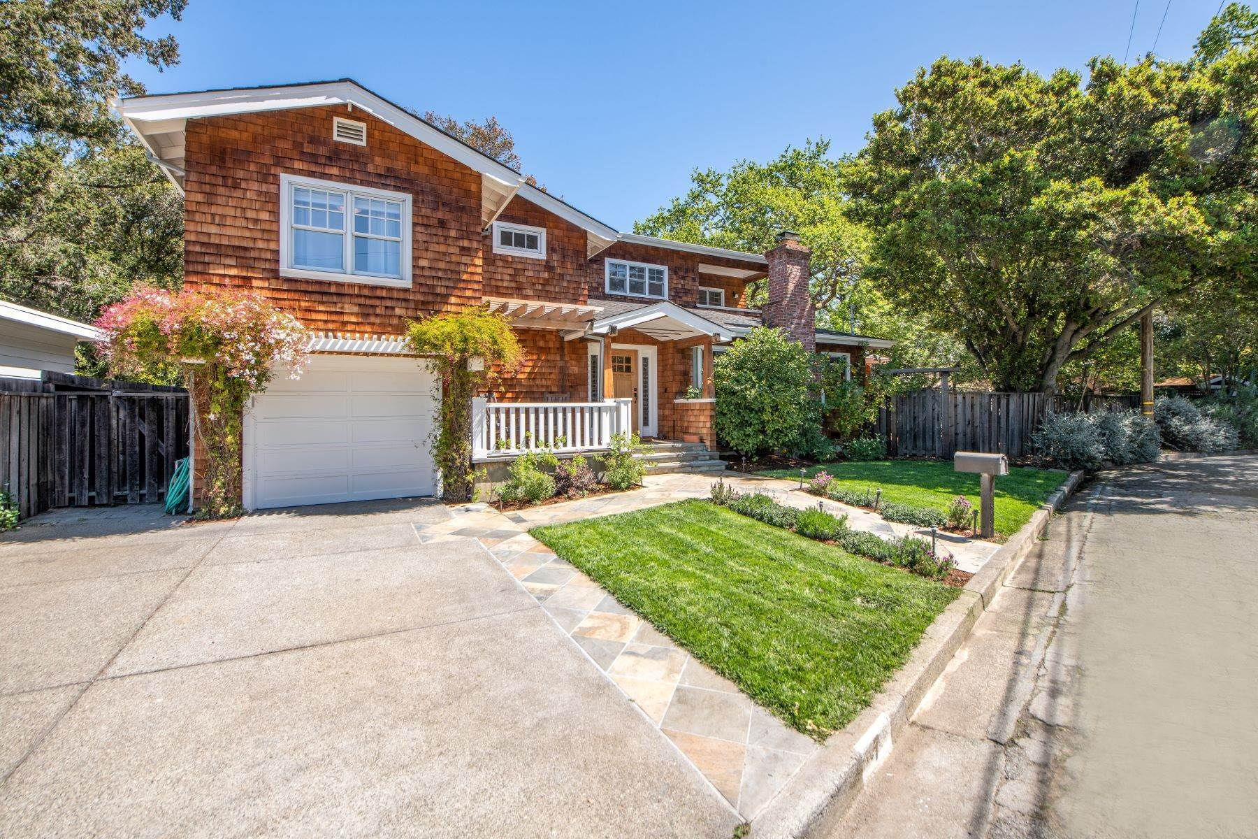 Single Family Homes for Sale at Picture Perfect Craftsman in the Flats of San Anselmo 7 Beverley Way San Anselmo, California 94960 United States
