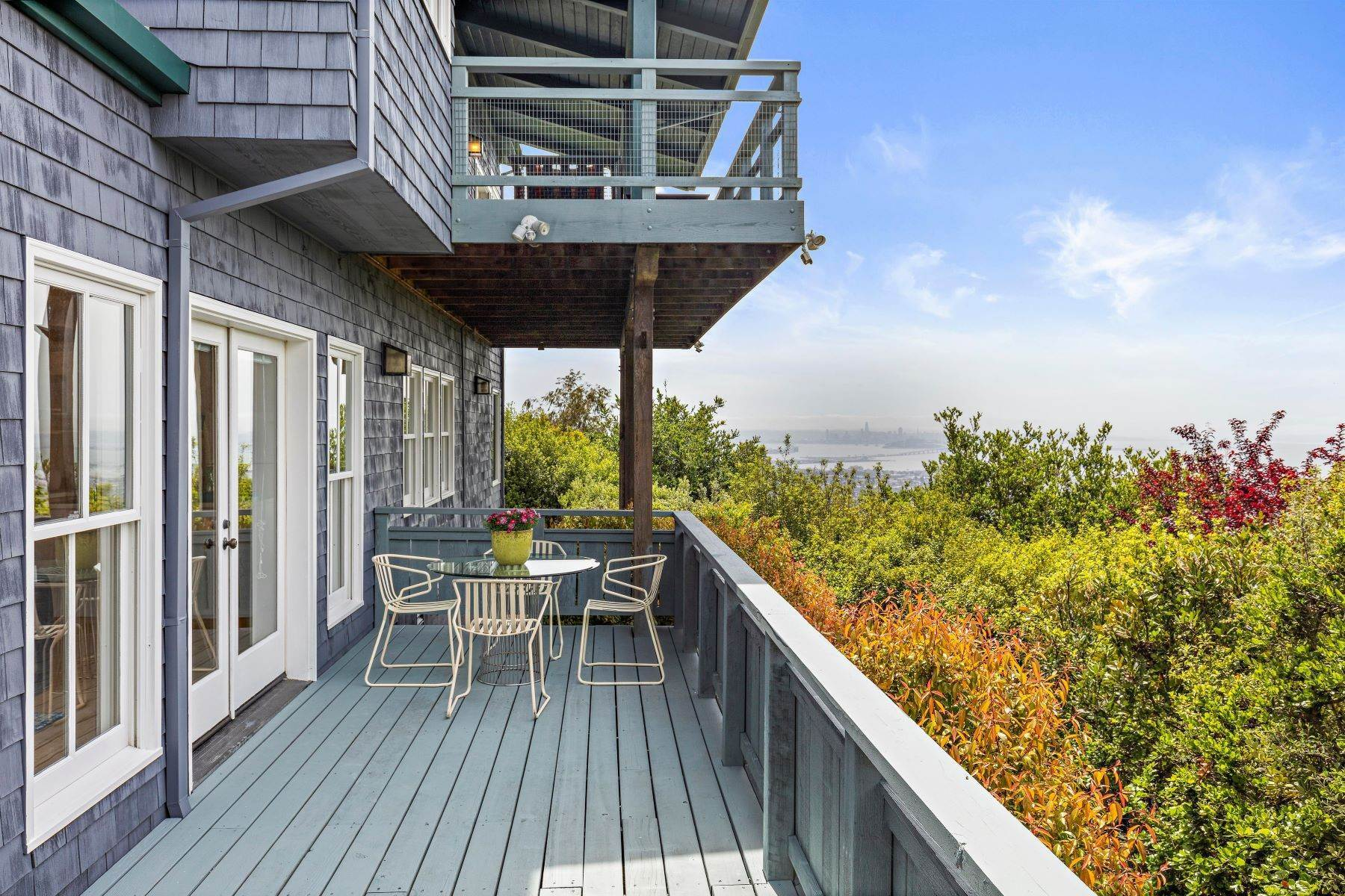 32. Single Family Homes for Sale at Architecturally Designed Home with Sweeping Bay Views 357 Gravatt Drive Berkeley, California 94705 United States