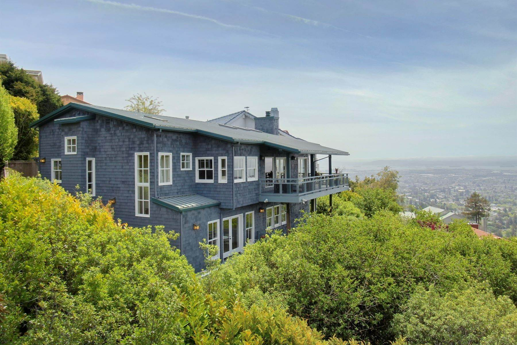 3. Single Family Homes for Sale at Architecturally Designed Home with Sweeping Bay Views 357 Gravatt Drive Berkeley, California 94705 United States