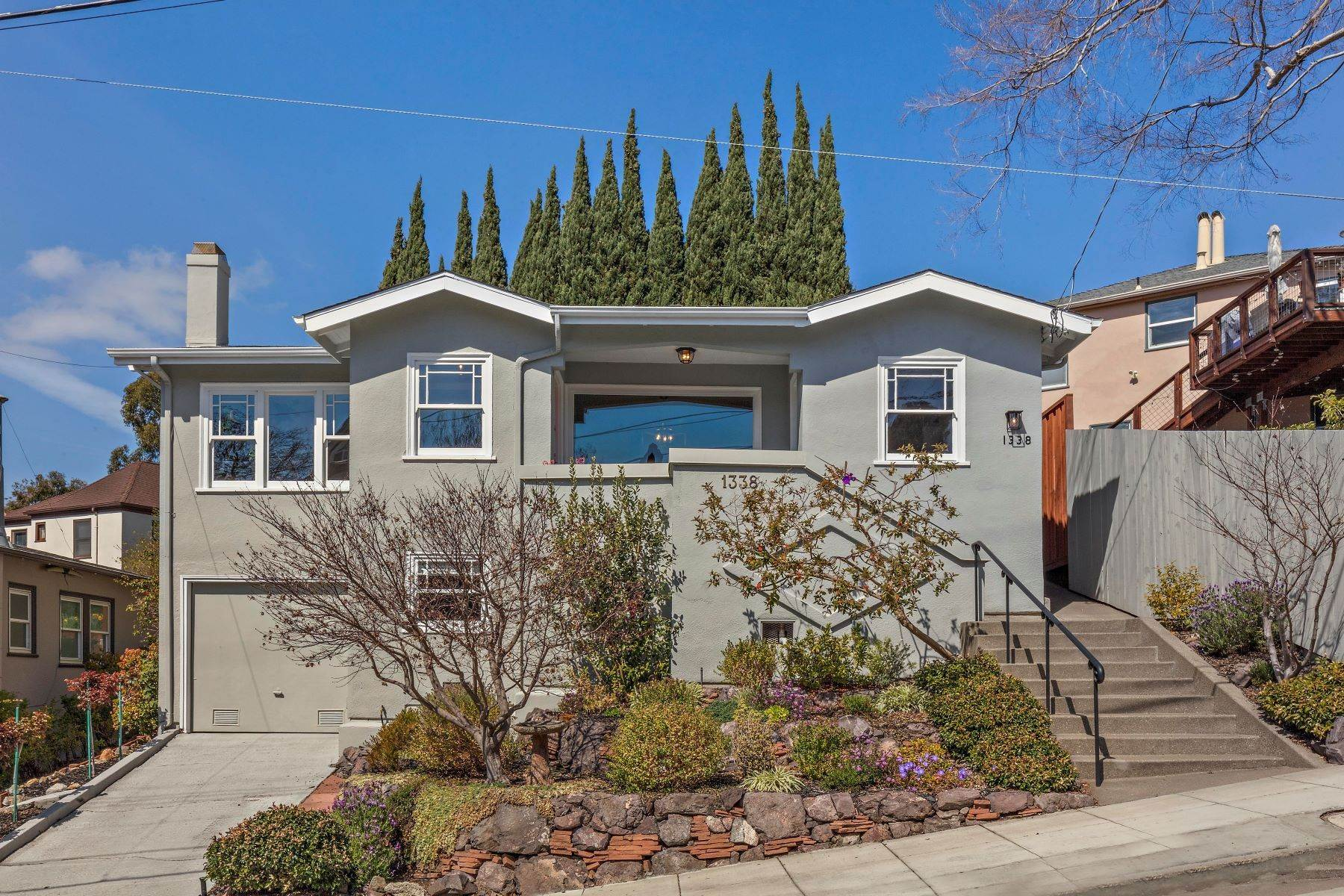 2. Single Family Homes for Sale at Inviting Crocker Highlands Craftsman 1338 Bates Road Oakland, California 94610 United States