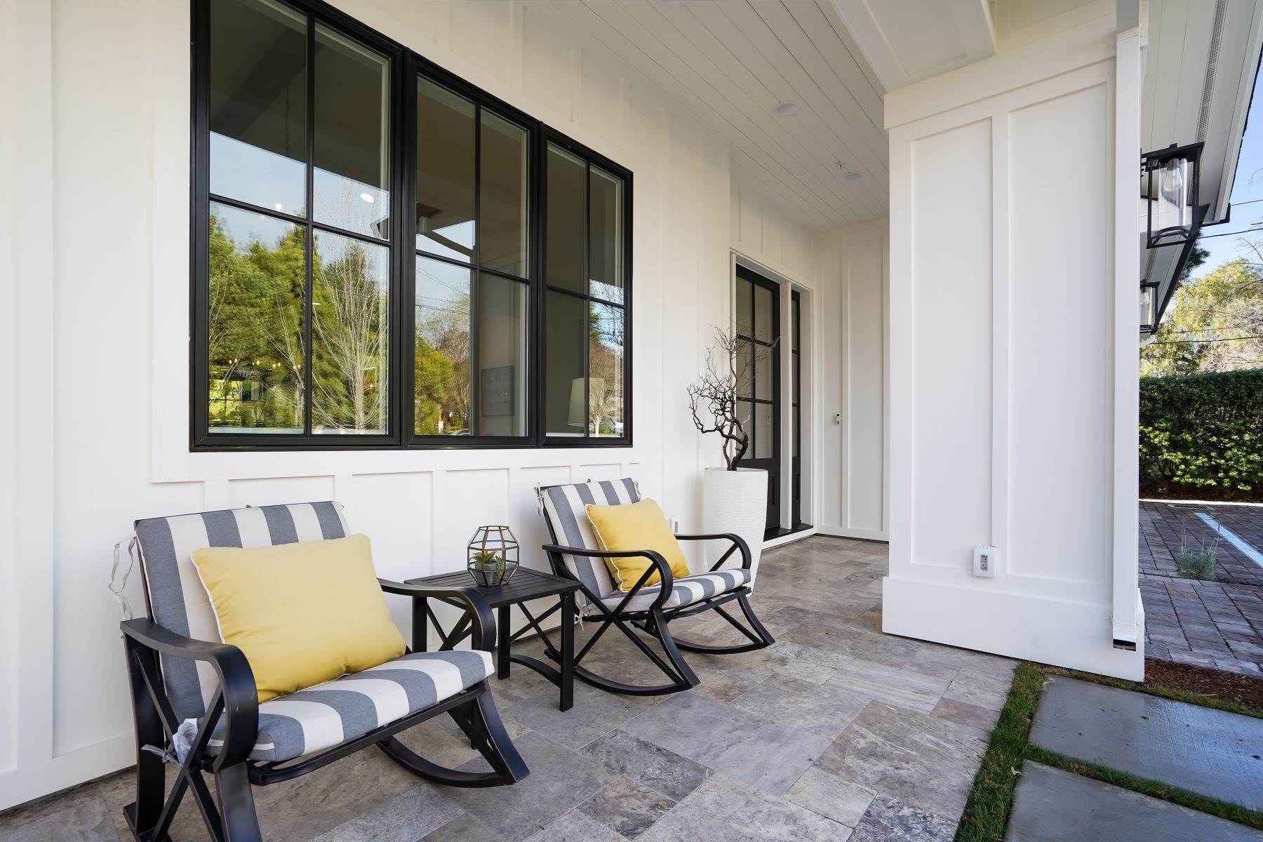 5. Single Family Homes for Sale at Modern Farmhouse in Coveted Mount Carmel 538 Quartz Street Redwood City, California 94062 United States