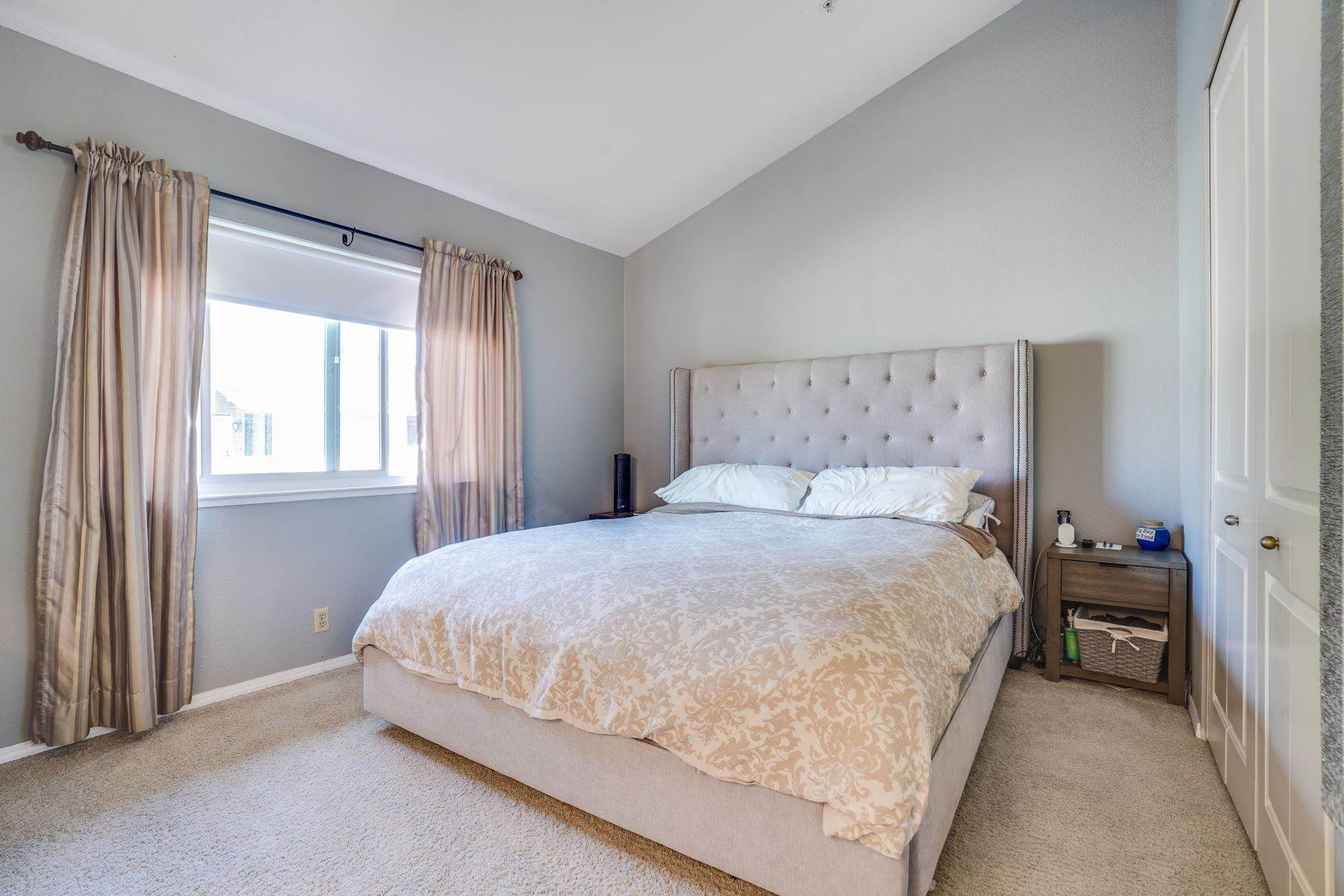 14. townhouses for Sale at Contemporary Townhome with Excellent Mid-Peninsula Location 126 Albacore Lane Foster City, California 94404 United States