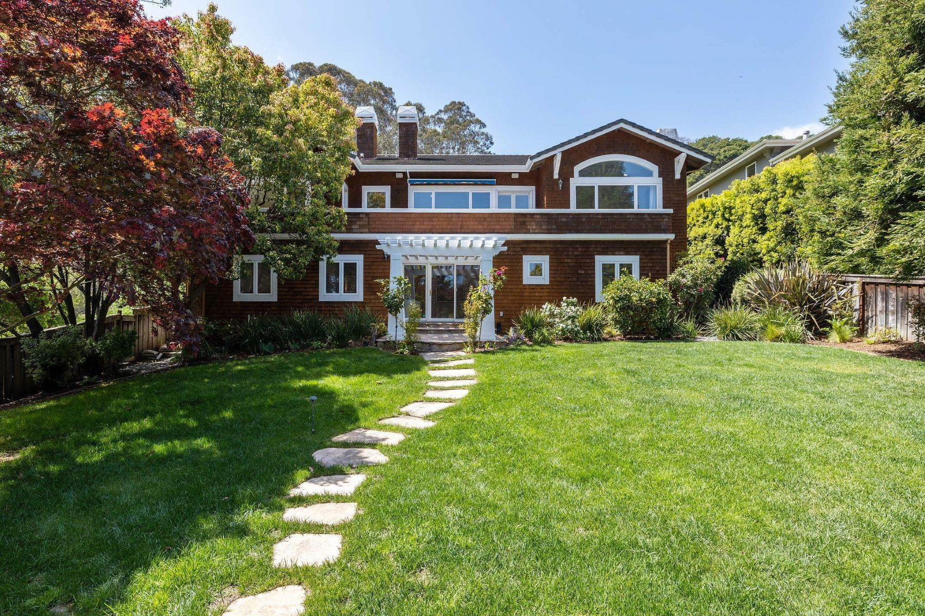 Single Family Homes for Sale at Exceptional Tiburon Home 30 Vista Tiburon Drive Tiburon, California 94920 United States