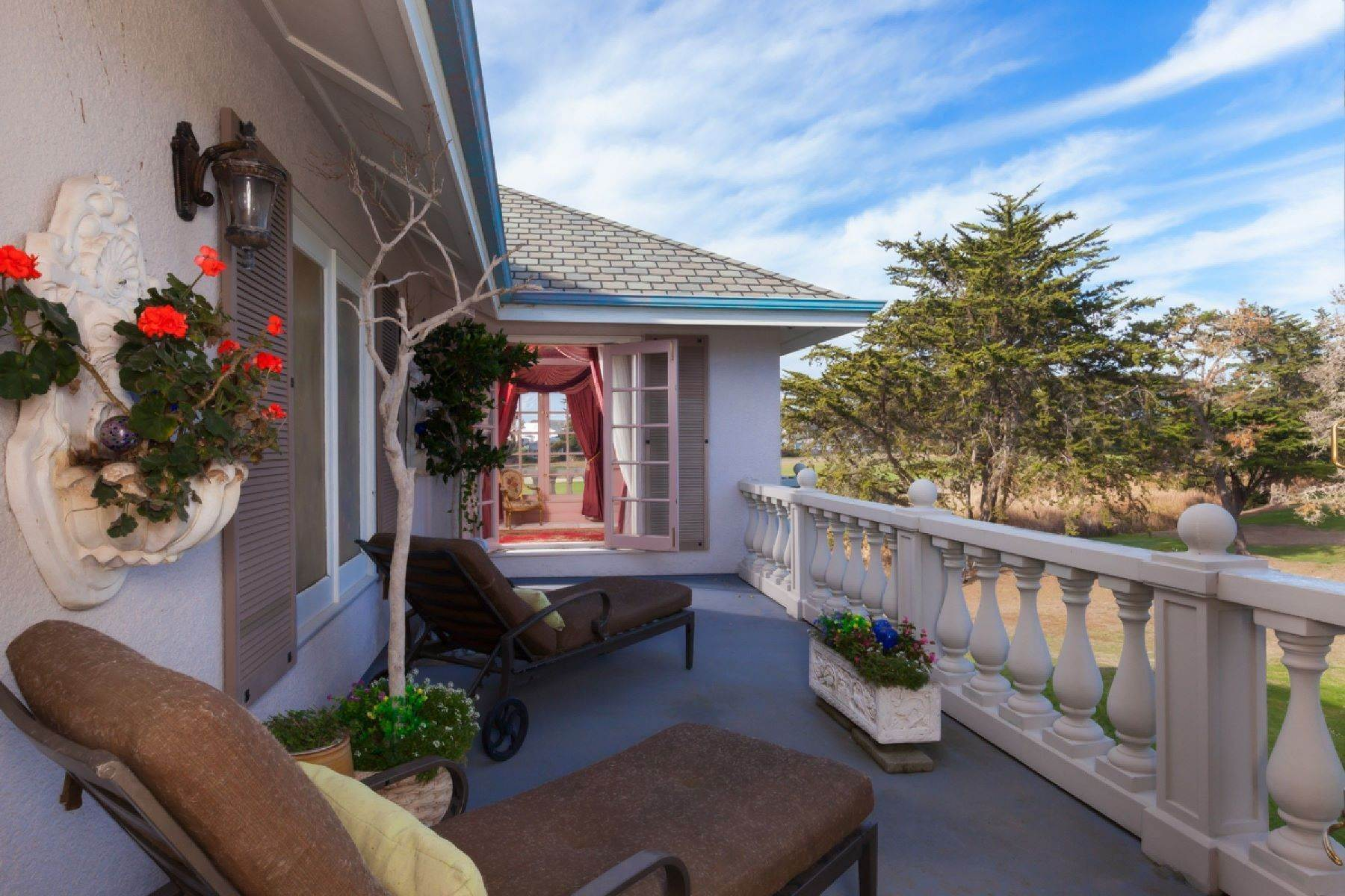 24. Single Family Homes for Sale at Grand Estate Half Moon Bay 2171 Bayhill Court Half Moon Bay, California 94019 United States