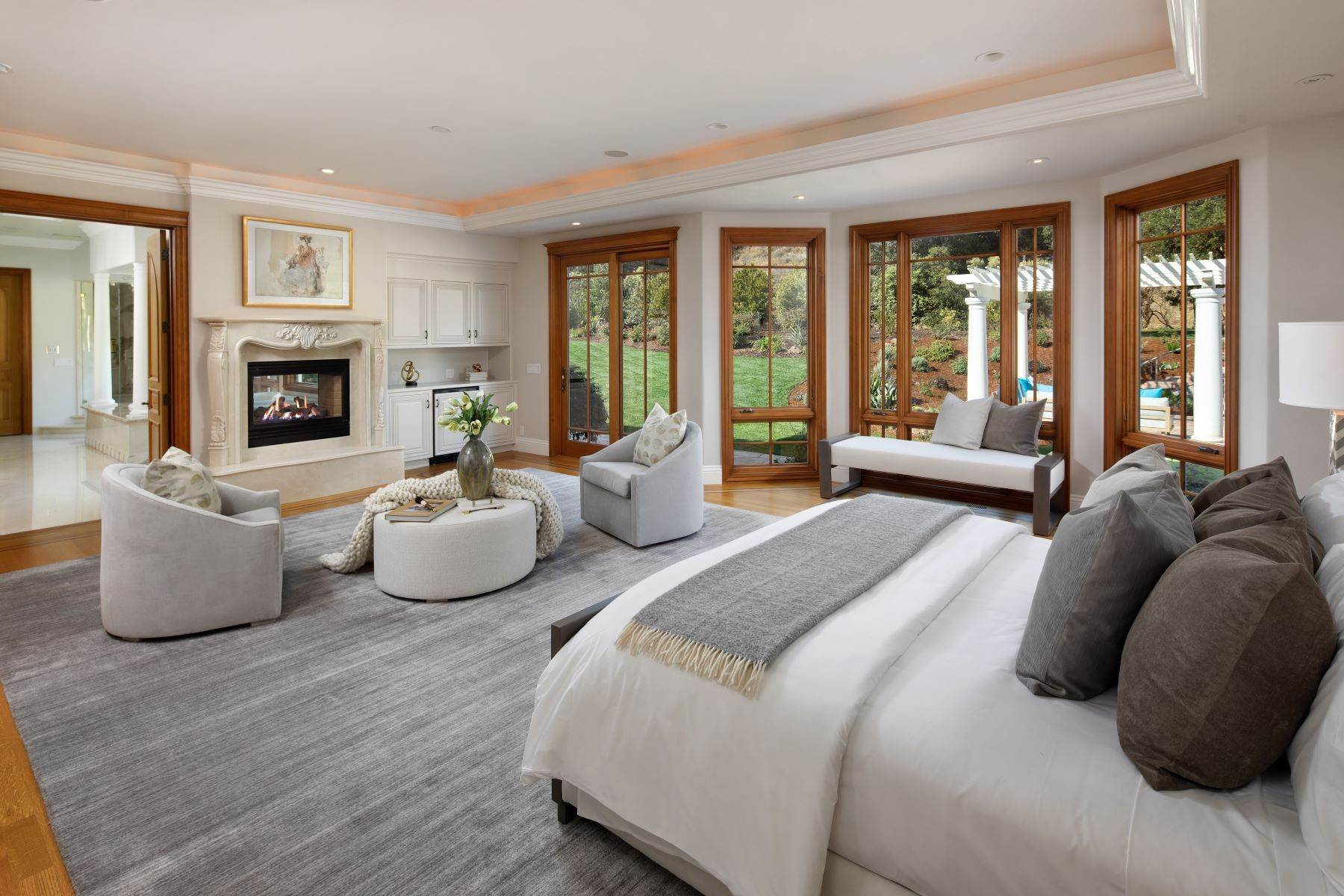 6. Single Family Homes for Sale at Sprawling Resort-Like Estate 12160 Kate Drive Los Altos Hills, California 94022 United States