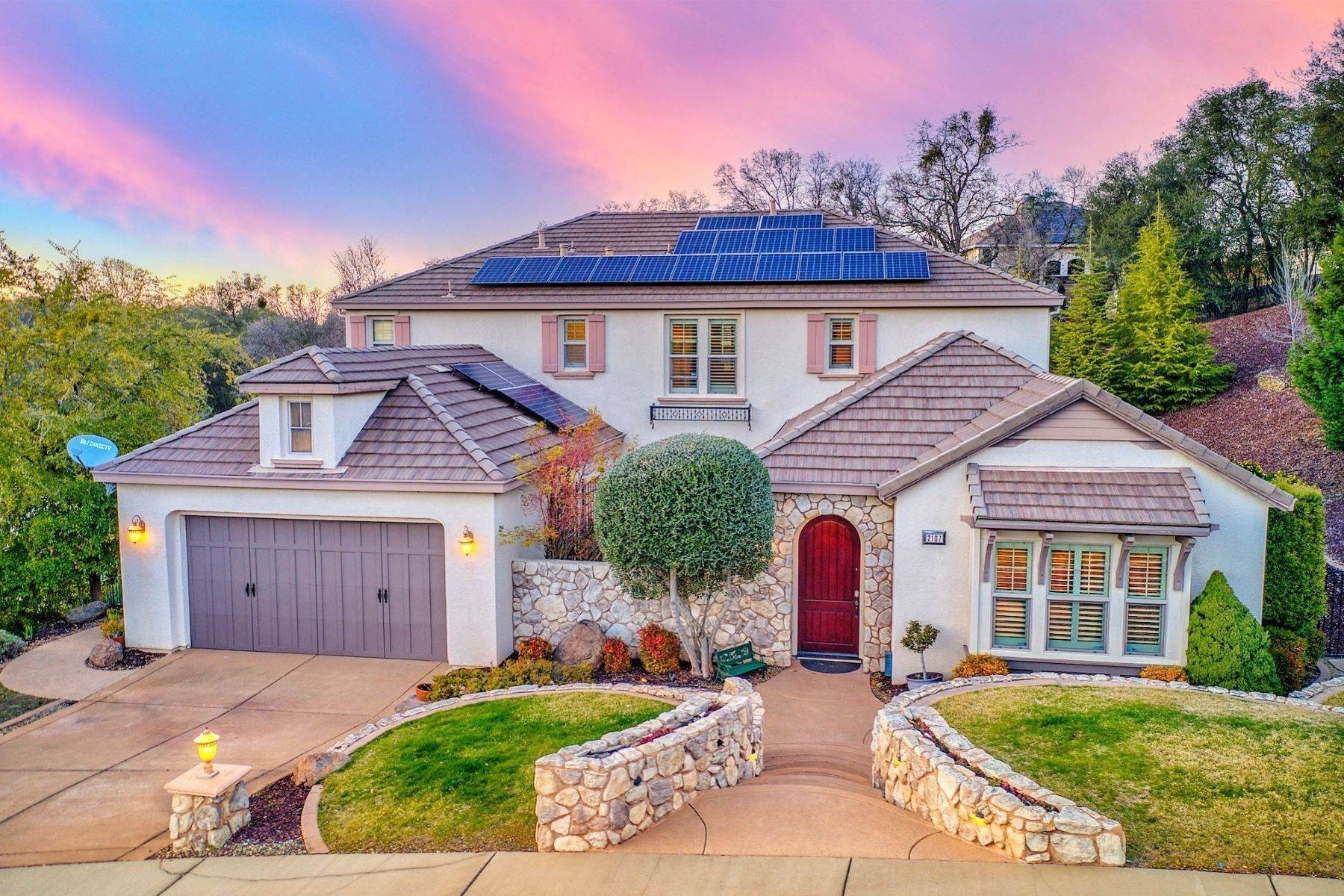 Single Family Homes pour l Vente à 2107 Medici Way, El Dorado Hills, CA 95762 2107 Medici Way El Dorado Hills, Californie 95762 États-Unis