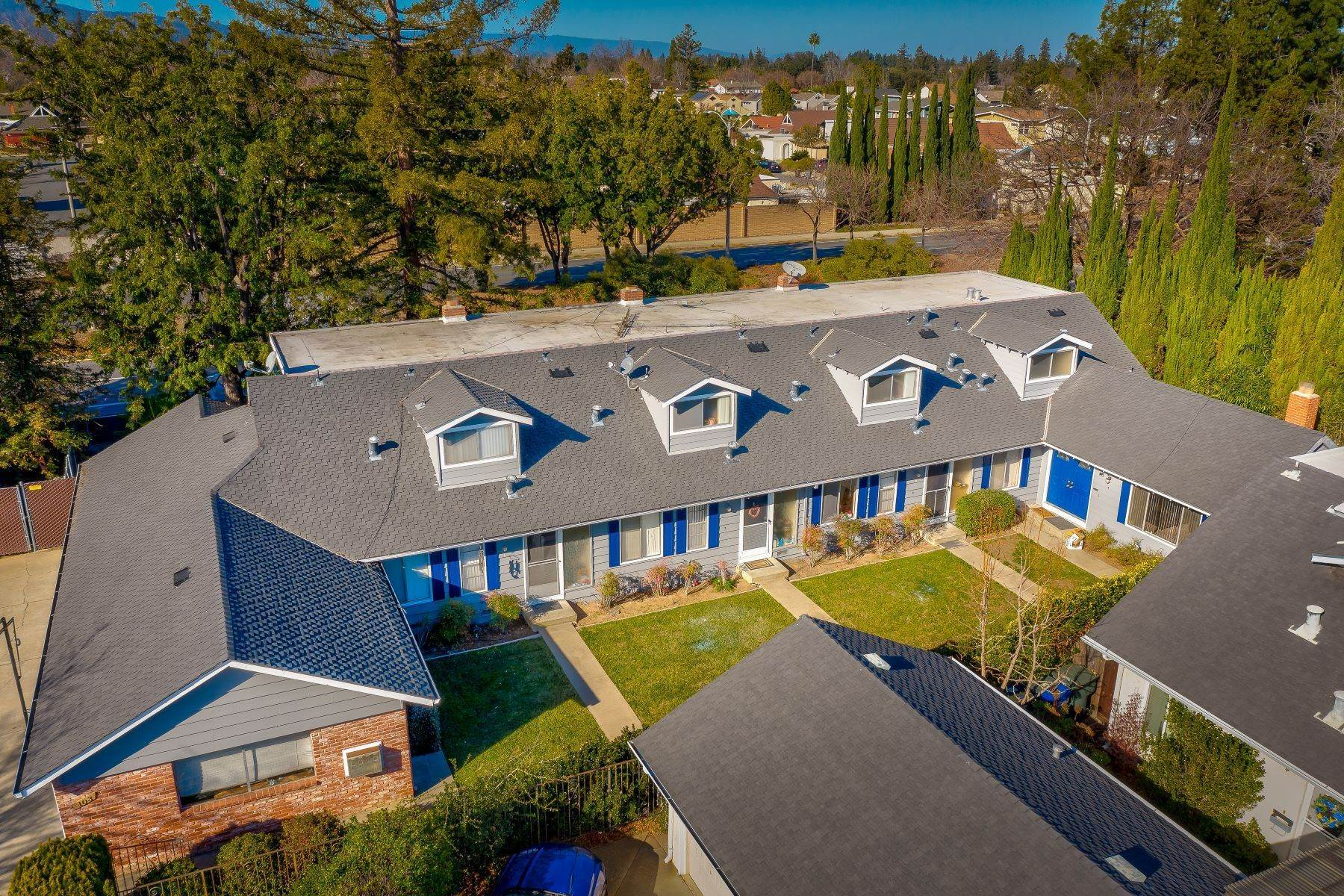 4. Multi-Family Homes for Sale at Four-plex in Sunnyvale, Cupertino Union School District 103 Exeter Court Sunnyvale, California 94087 United States