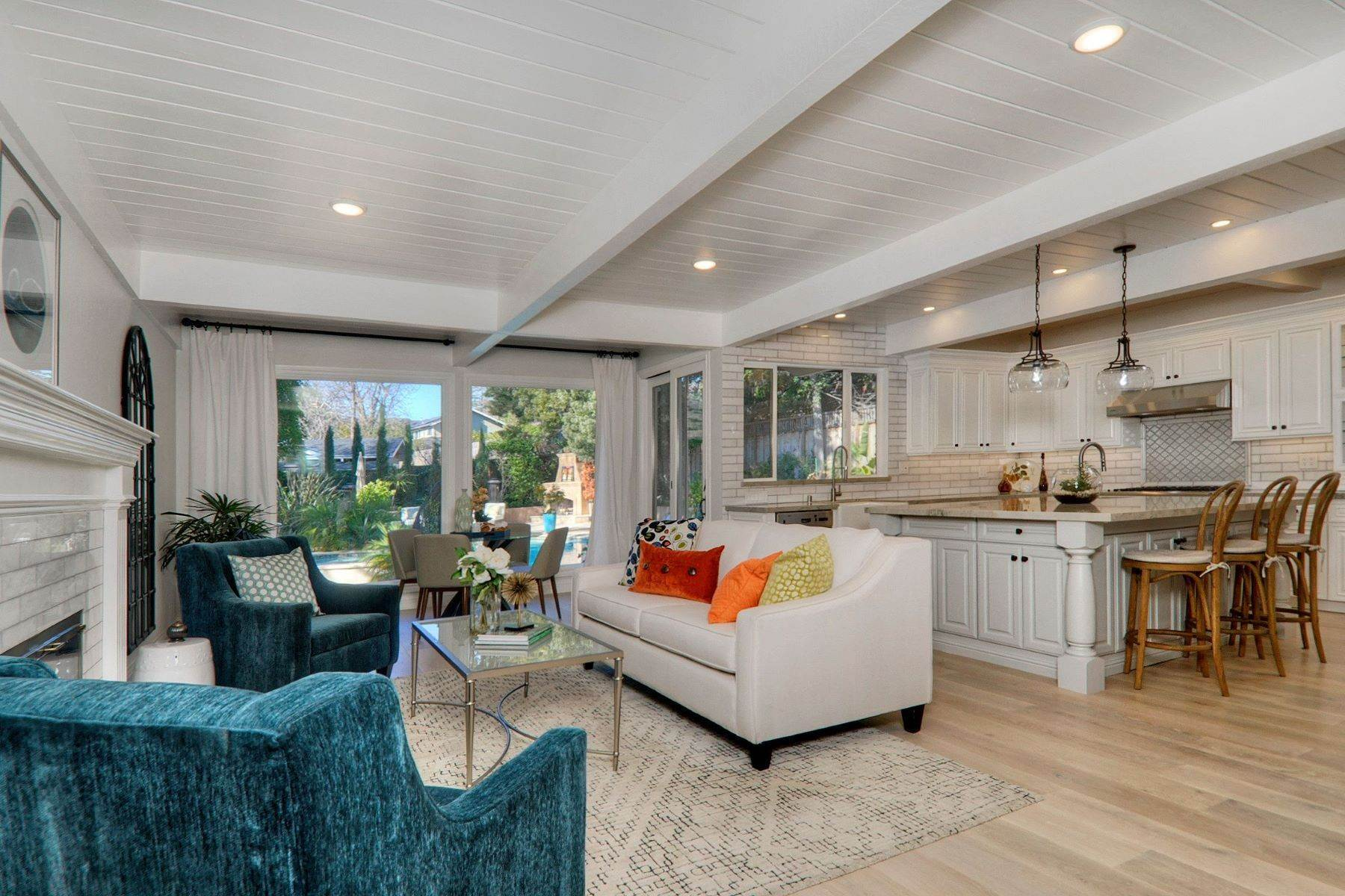 7. Single Family Homes for Sale at Completely Renovated Mid-Century Retreat 220 Frances Lane San Carlos, California 94070 United States