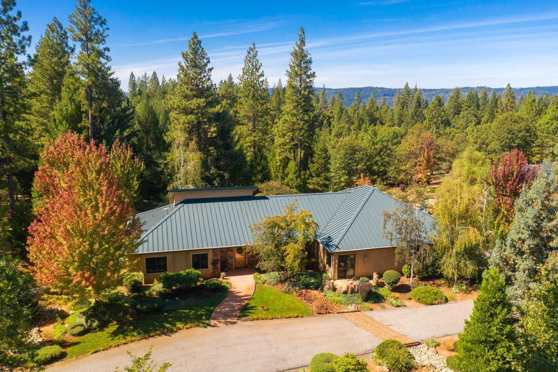 Other Residential Homes للـ Sale في 28555 Rollins Lake Road Colfax, California 95713 United States