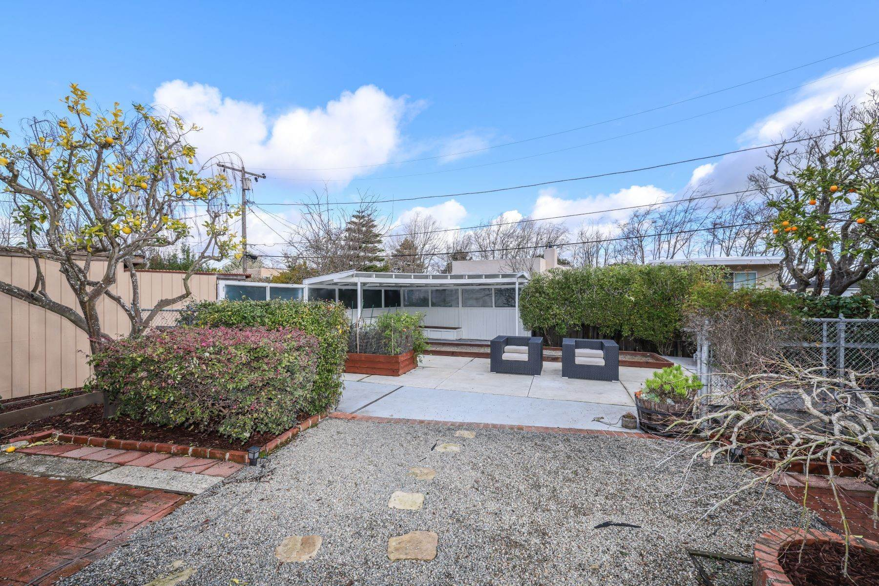 24. Single Family Homes for Sale at Classic Millbrae Highlands Home 220 Laurel Avenue Millbrae, California 94030 United States