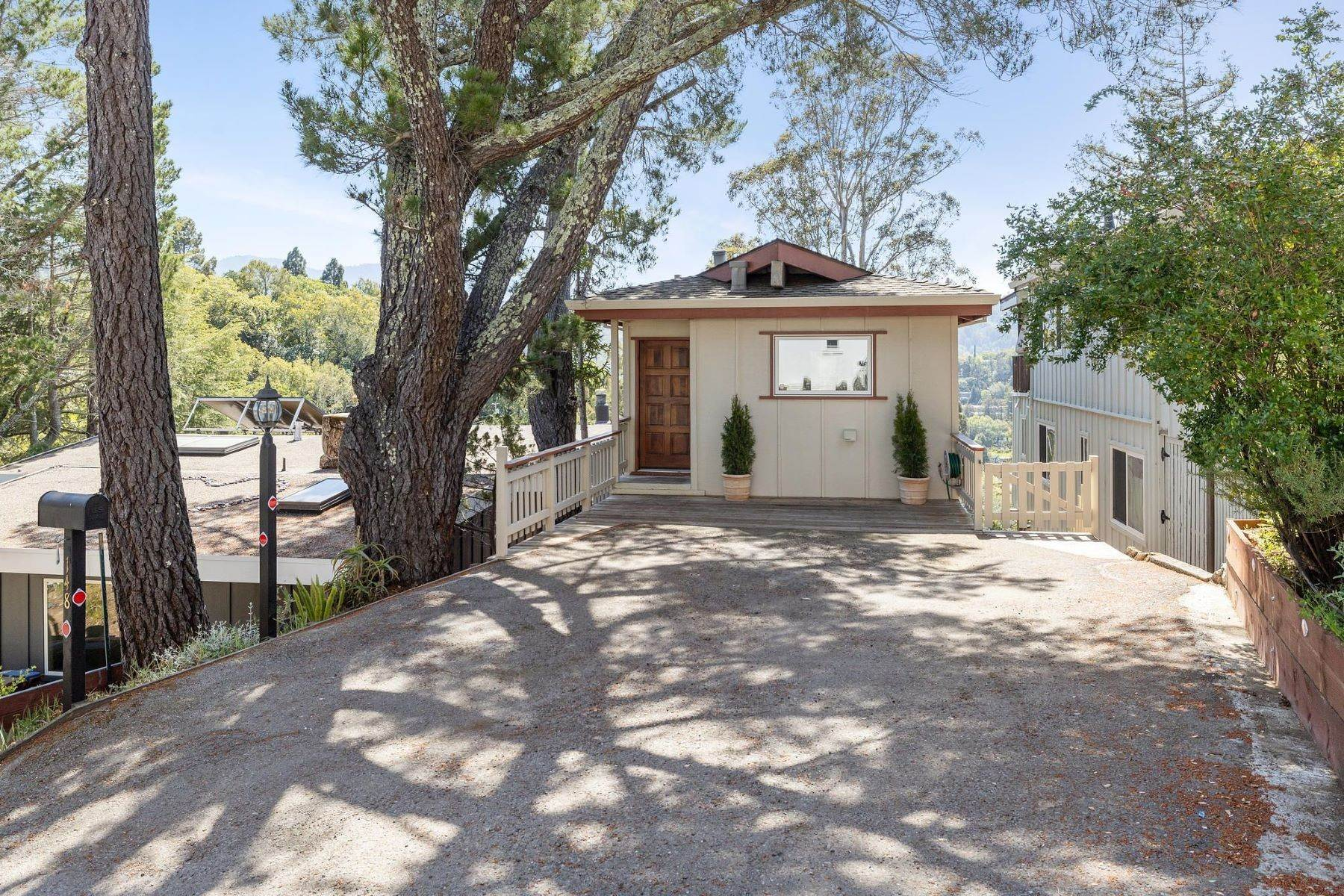 3. Single Family Homes for Sale at Adorable Fairfax Cottage 148 Ridgeway Avenue Fairfax, California 94930 United States