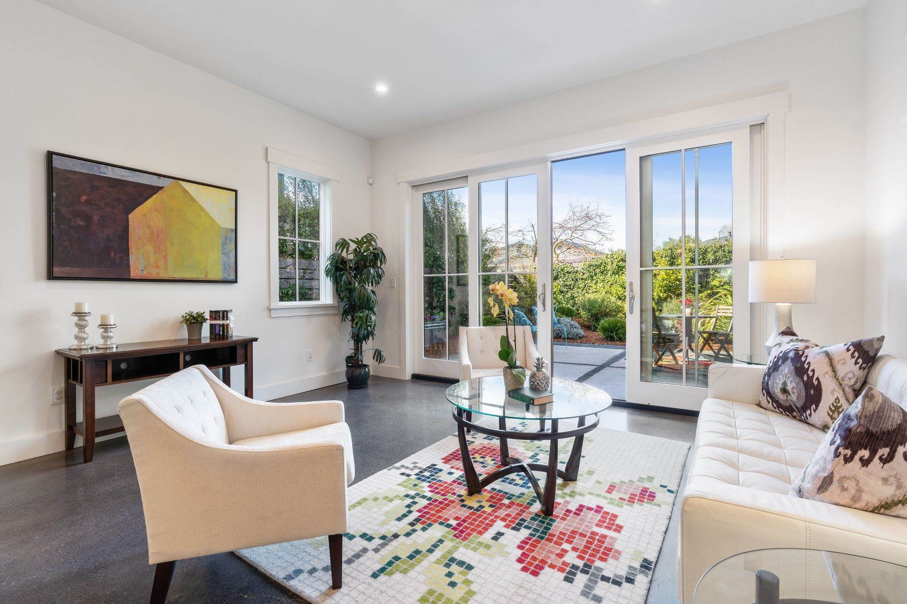 7. Single Family Homes for Sale at Modern Meets Comfort 888 59th Street Oakland, California 94608 United States