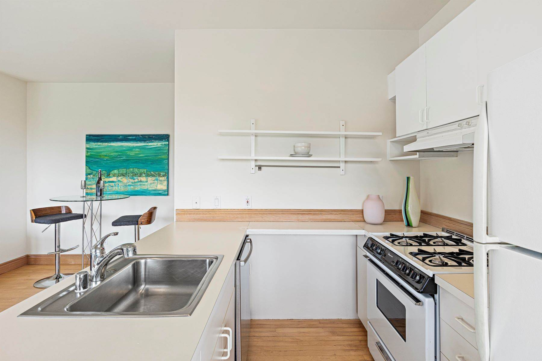 29. Single Family Homes for Sale at Architecturally Designed Home with Sweeping Bay Views 357 Gravatt Drive Berkeley, California 94705 United States