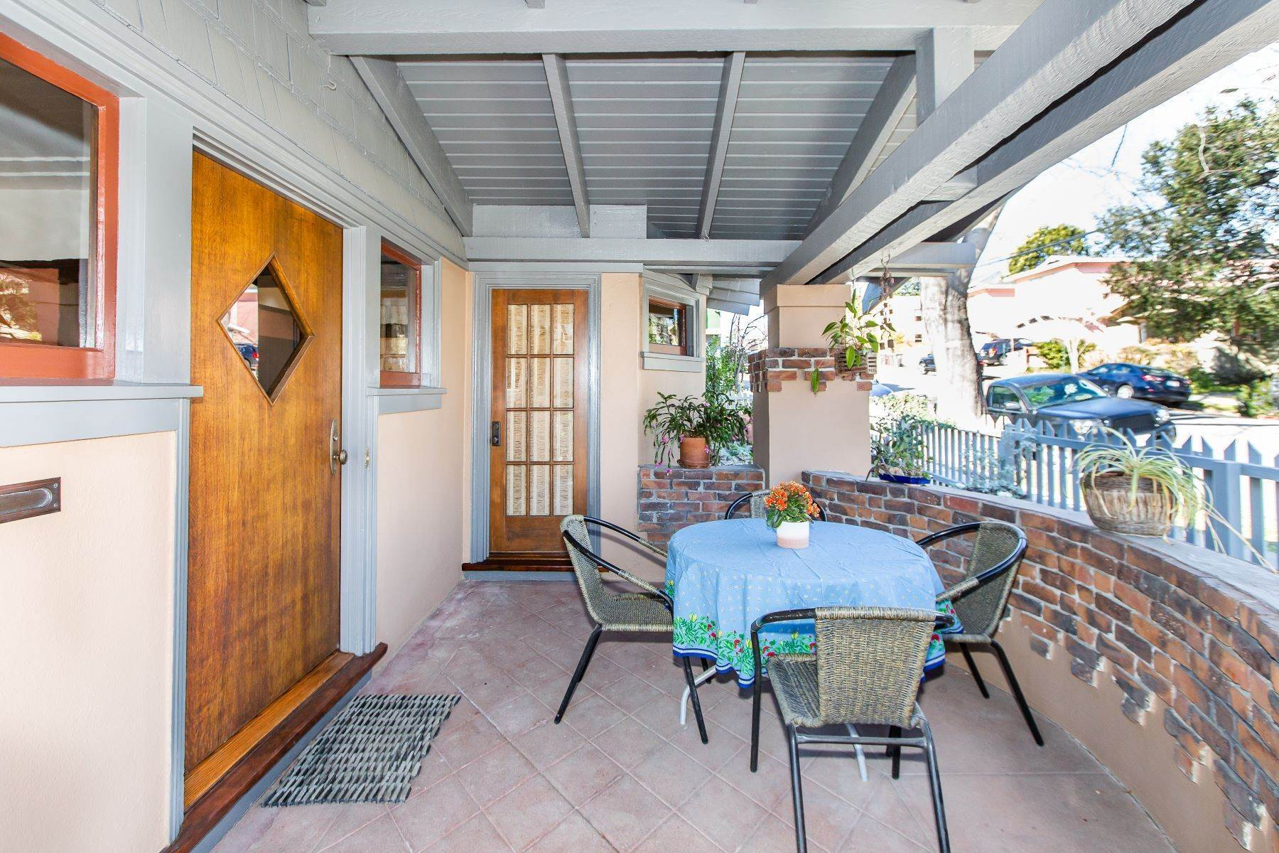 4. Single Family Homes for Sale at Glenview Arts & Crafts Treasure 3763 Woodruff Avenue Oakland, California 94602 United States