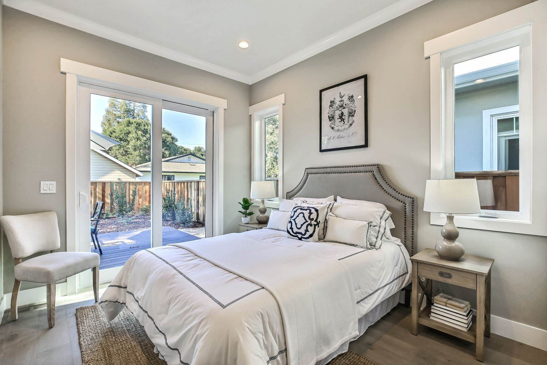 17. Single Family Homes for Sale at Brand New Menlo Park Home 611 12th Avenue Menlo Park, California 94025 United States