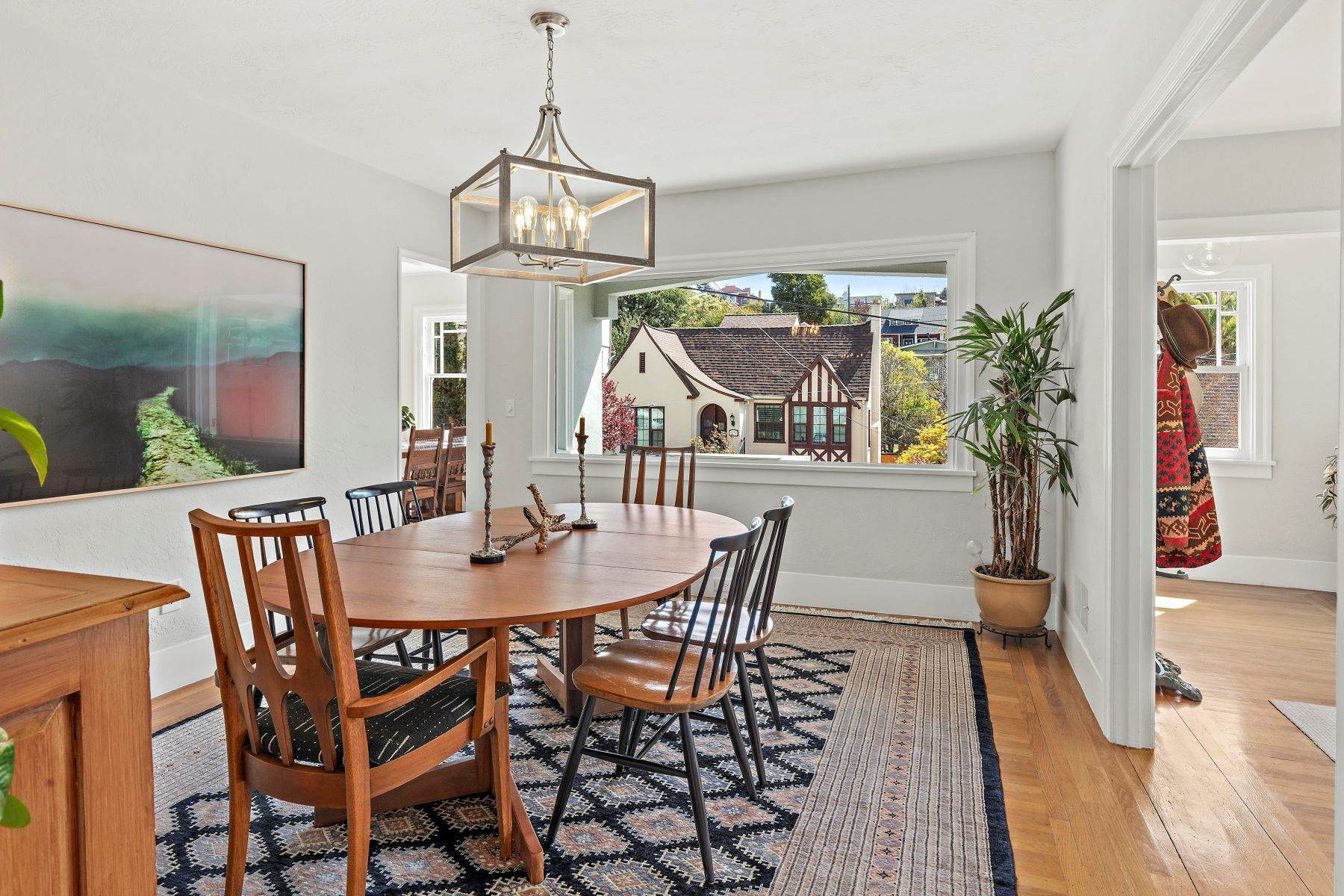 7. Single Family Homes for Sale at Inviting Crocker Highlands Craftsman 1338 Bates Road Oakland, California 94610 United States