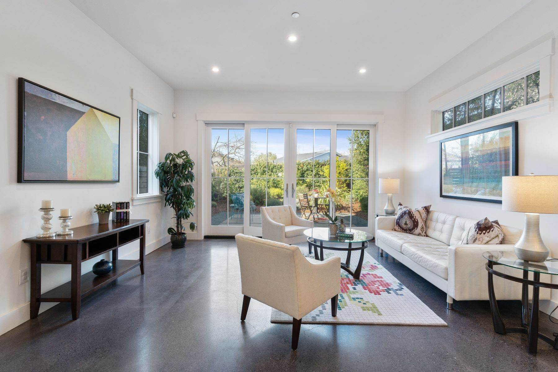 6. Single Family Homes for Sale at Modern Meets Comfort 888 59th Street Oakland, California 94608 United States